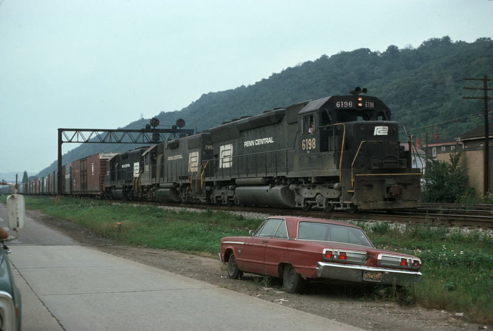 PC_6198[SD45]_& TRAIN_Leetsdale,PA_19740900_{00504764}